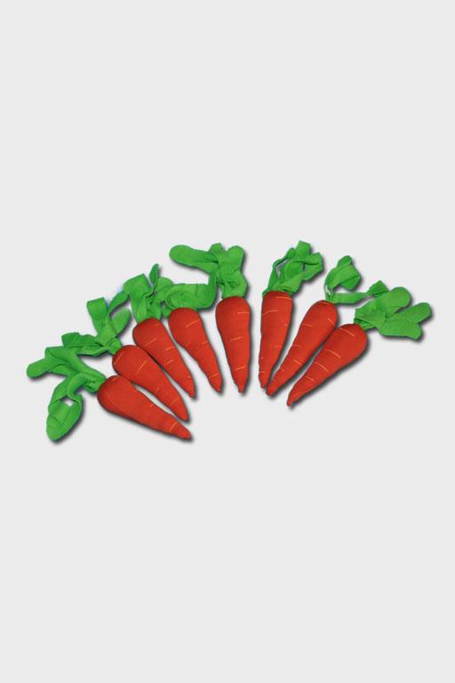 Морковь с грядкой